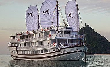 Signature Royal Cruise in Halong bay