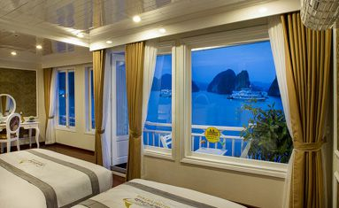 Signature Royal Cruise's Royal Suite