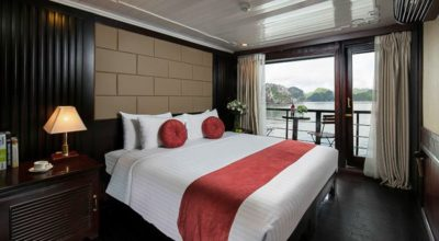Majestic Cruise's Deluxe Ocean View Cabin