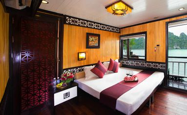 Swan Cruise's Suite Cabin