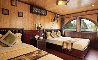 Victory Star Cruise's Deluxe Triple Cabin