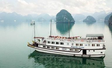 Majestic Cruise in Halong bay, Vietnam