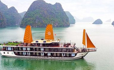 Peony Cruise in Halong bay, Vietnam